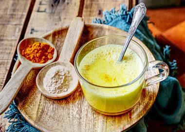 Recette de lait d'or à la maca Le Blog 7 Saveurs